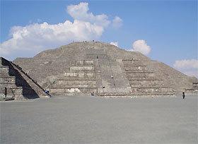 Kim tự tháp mặt trăng