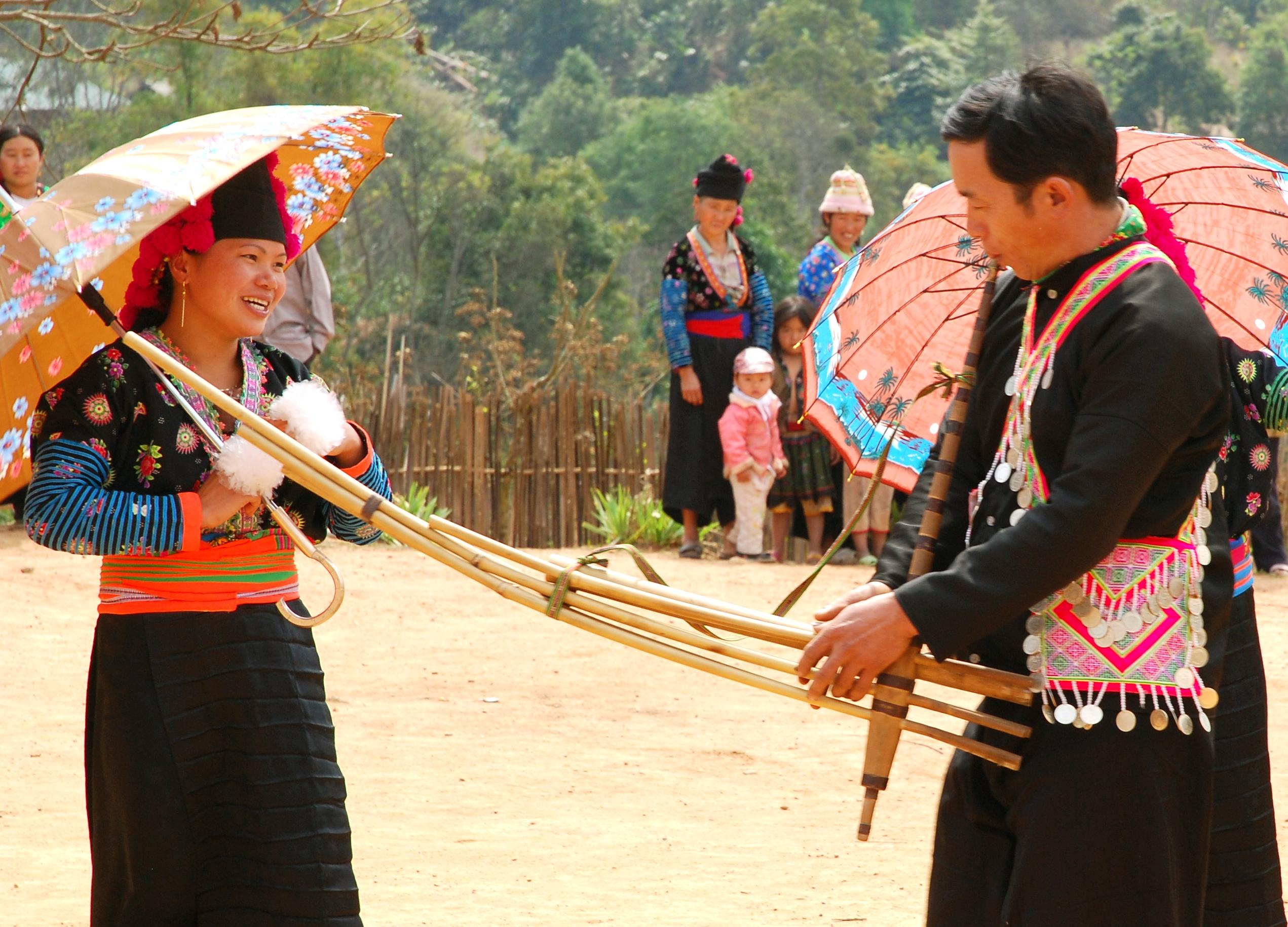1-Khen-Mong-dantocviet-JPG-1377766491.jp