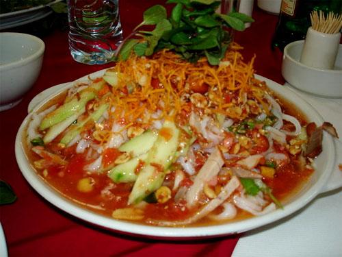 Đến Cao Bằng thì không thể bỏ lỡ cơ hội thưởng thức món phở chua trứ danh. Ảnh: cinet.gov.vn