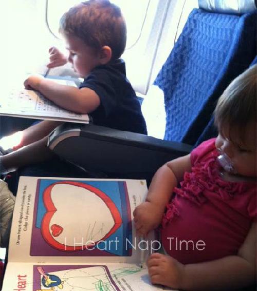 Mách bạn cách chăm sóc bé khi có chuyến du lịch bằng máy bay 3