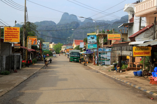 Vang-Vieng-Street-5872-1384503551.jpg