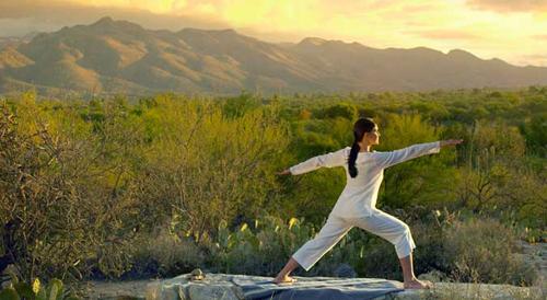 canyon-ranch-tucson-sunrise-yoga500.jpg