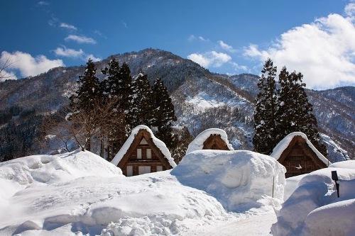 Những ngôi nhà chống tuyết hơn 250 năm tuổi ở Nhật Bản
