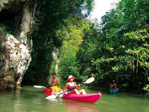 cheo-kayak-1428-1394076842.jpg