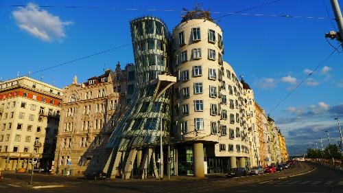H4-Nhung-ly-do-de-den-Prague-6812-139467