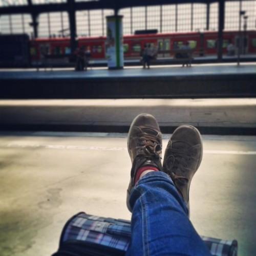 sateless-suitcase-9616-1395200839.jpg