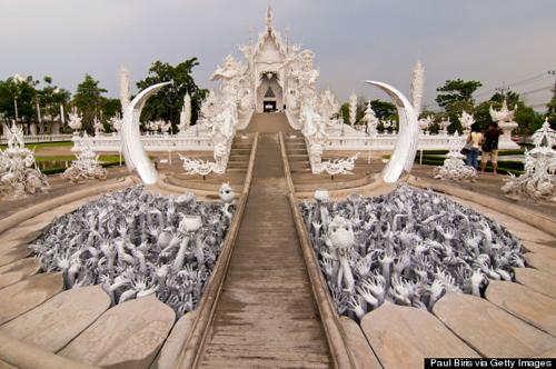 o-WHITE-TEMPLE-THAILAND-570.jpg