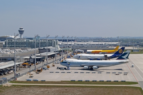airport-5119-1396598829.jpg