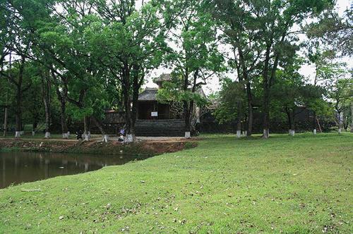 hues-lang-dong-khanh3-3676-1397210724.jp