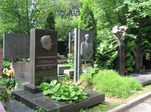 Novodevichy-Cemetery-JPG-5941-1397315642