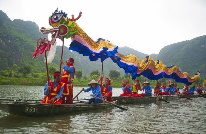 Múa Rồng độc đáo trên sông Sào Khê