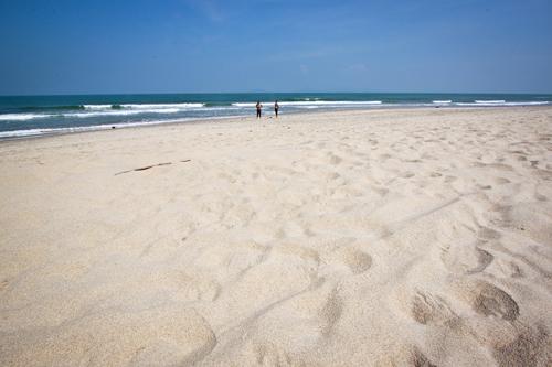 6454254801 b0436cebc3 b 6336 1400832242 An Bàng, bãi biển đẹp ít được biết đến ở Hội An