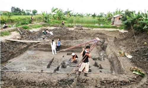 Khai-quat-Bai-coc-Dong-Ma-Ngua-nam-2010.