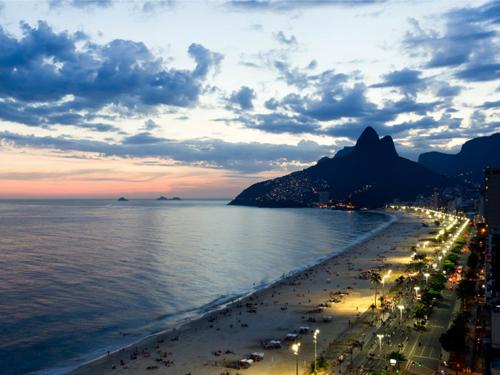 ipanema-beach-in-rio-de-janeir-2160-5722