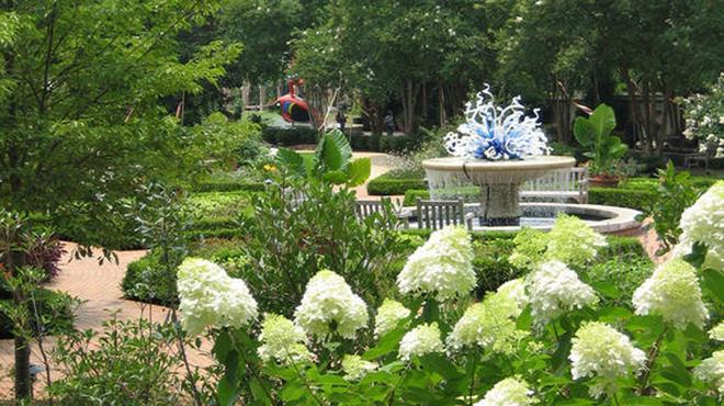http://c0.f34.img.vnecdn.net/2014/05/30/best-botanical-gardens-ss-008-596x334-1401467784_660x0.jpg