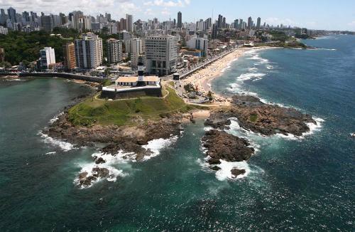 800px-Salvador-Brazil-1347-1401685731.jp