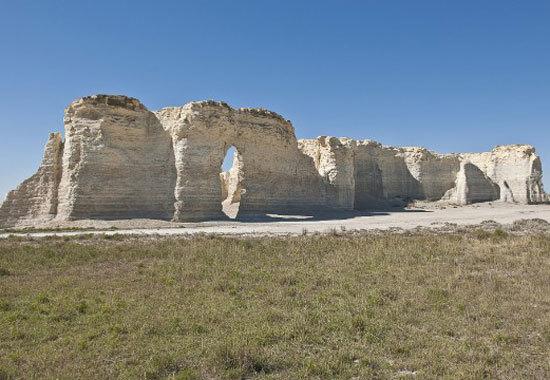 Đài tưởng niệm đá, Kansas