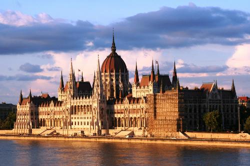 budapest-parliament-5768-1404118819.jpg