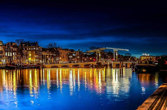 Amsterdam xinh đẹp qua góc nhìn của du khách