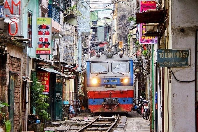'Xóm đường ray' Hà Nội dưới góc nhìn của du khách nước ngoài