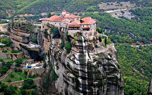 1-Meteora-Greece-8623-1405506122.jpg