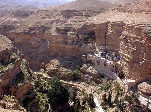 2-Georges-Monastery-2-4911-1405506122.jp