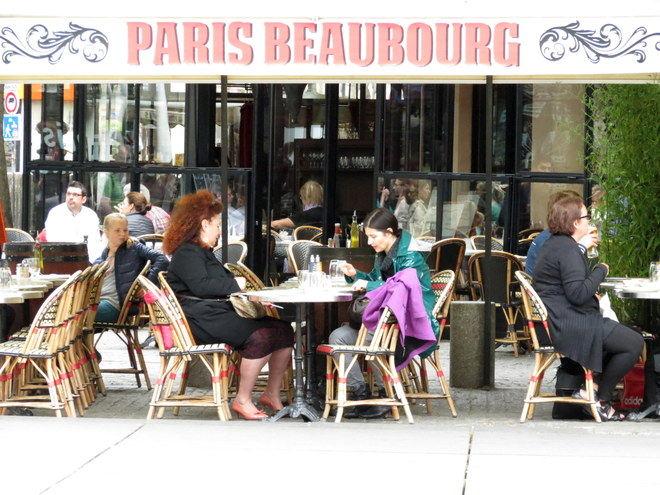 Paris từ góc nhìn của những quán cà phê