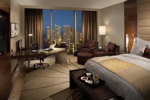 luxury-hotel-room-8217-1407209215.jpg