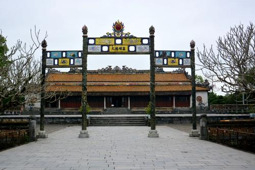 Di tích cố đô Cổng Ngọ Môn trong Đại nội Huế