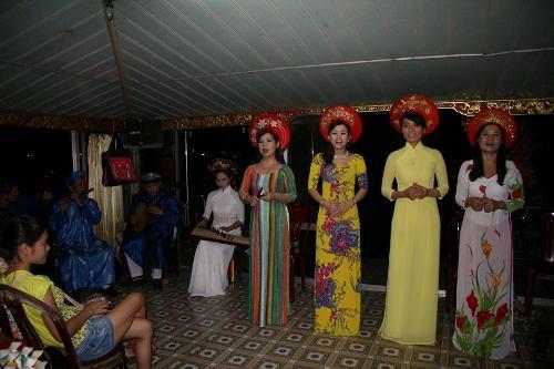Nhã nhạc cung đình trên sông Hương