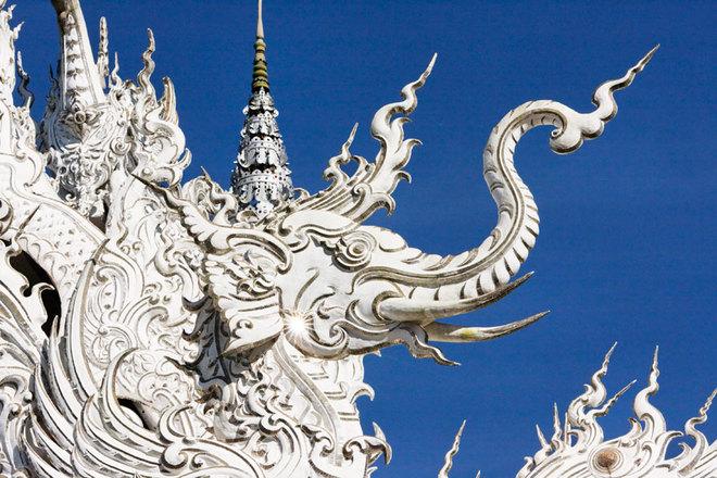 Vẻ đẹp kỳ ảo của ngôi đền Trắng ở Thái Lan