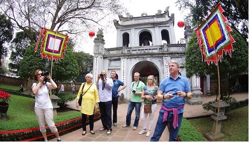 du lịch Hà Nội thăm Văn Miếu quốc Tử Giám
