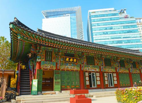 Nét cổ điển và hiện đại hòa quyện bên nhau trong các công trình kiến trúc ở Hàn.