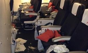 Những hành động xấu xí nhất khi đi máy bay