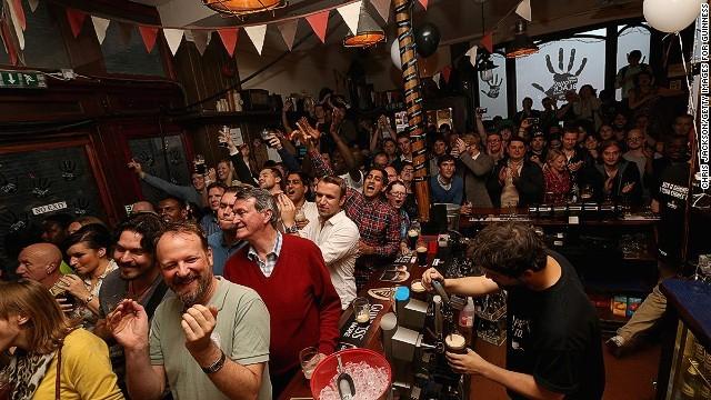 140801121713 nightlife cities 5 london horizontal gallery 1411630130 660x0 10 thiên đường giải trí sôi động nhất về đêm