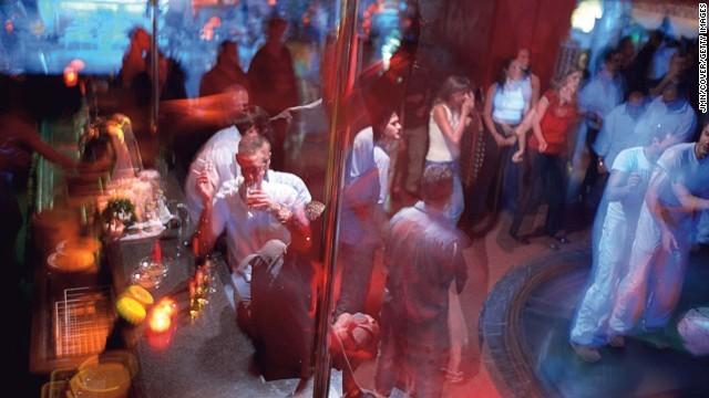 140801121812 nightlife cities 6 barcelona horizontal gallery 1411630130 660x0 10 thiên đường giải trí sôi động nhất về đêm
