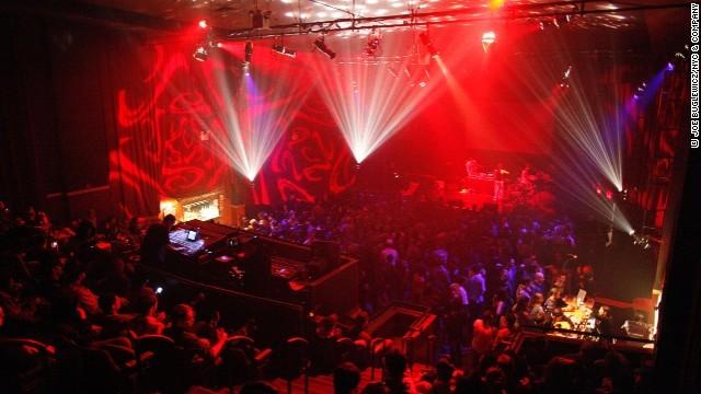 140922182453 nightlife cities 3 nyc horizontal gallery 1411630132 660x0 10 thiên đường giải trí sôi động nhất về đêm