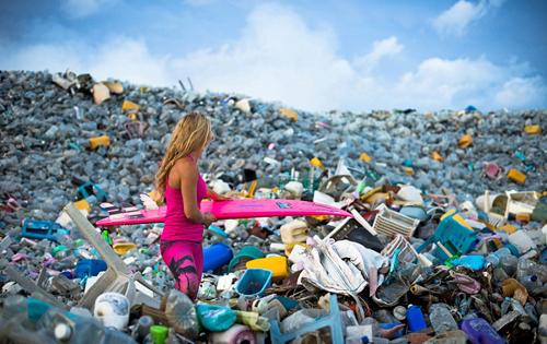 1 8118 1412241415 Biển rác khổng lồ tại Maldives