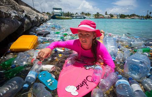2 1577 1412241415 Biển rác khổng lồ tại Maldives