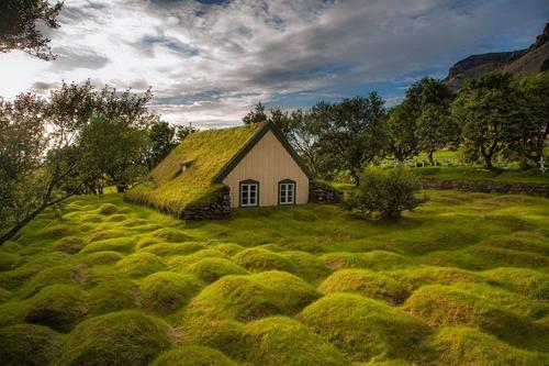 1 5490 1412326605 Nhà thờ mái cỏ cuối cùng ở làng Hof
