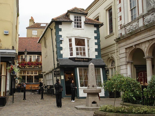 crooked-house-windsor-3-6-1604-141265584