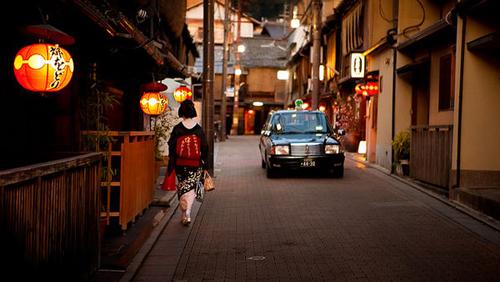 where-geisha-live-okiya-457.jpg