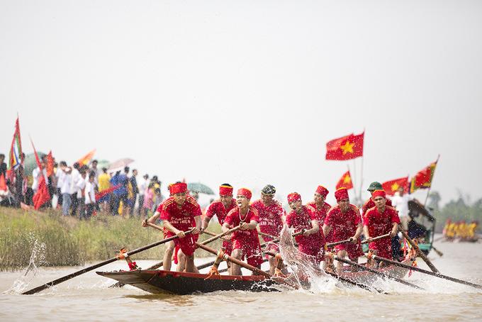 Tưng bừng hội đua thuyền chùa Keo Hành Thiện
