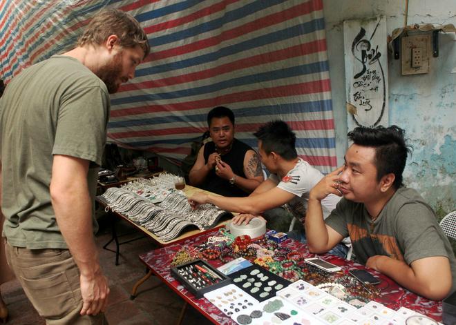 IMG 1844 1413888492 660x0 Đi chợ phiên Hà Nội tìm ký ức xưa