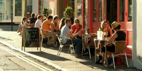 brunch-outside-dining-patio-al-6839-9316