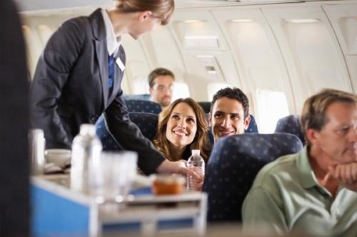 cau noi khi bay 3 5177 1414641177 10 câu nói dễ bị ghét nhất khi đi máy bay