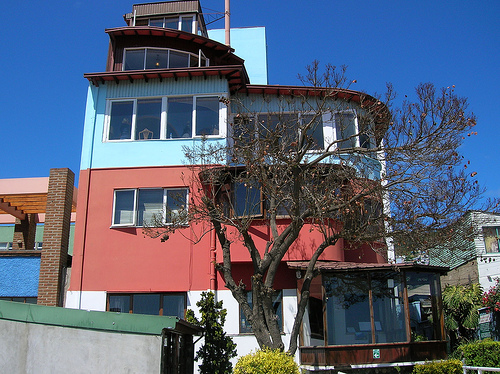 Kham pha Chile qua doi mat si tinh cua Pablo Neruda