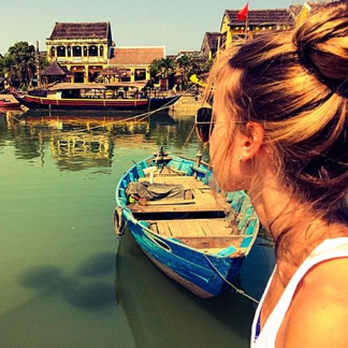 Hội An với vẻ đẹp trầm mặc làm say lòng biết bao du khách trong và ngoài nước. Ảnh: Buzzfeed.
