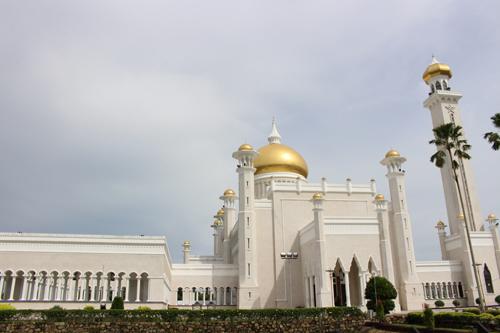 Masjid-Omar-Ali-Saifuddien-lu0-3128-6074