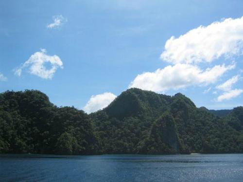 800px-Coron-Island-Palawan-6472-14170540